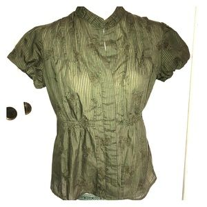 VINCE CAMUTO EMBROIDERY BUTTON UP BLOUSE SMALL